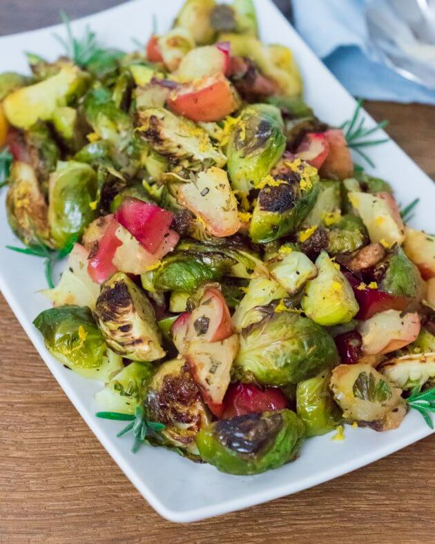rosemary-roasted-brussel-sprouts-with-apples-23
