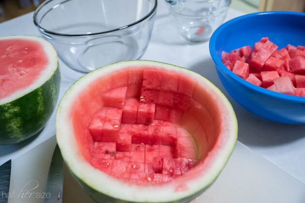 How to cut a watermelon with no mess