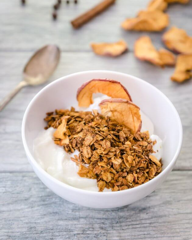 Easy Apple Cinnamon Homemade Granola Is A Quick And Recipe Pair With Yogurt