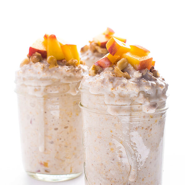 peaches-and-cream-overnight-oats-an-easy-make-ahead-breakfast-recipe