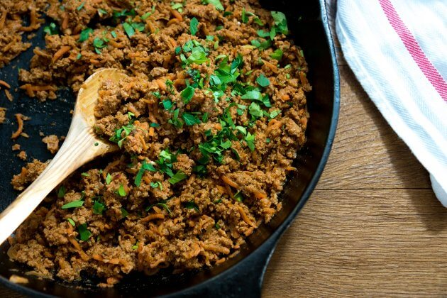 A quick and easy recipe for make ahead taco meat. Includes easy tips for using lean meat & sneaking in healthy vegetables. My kids LOVE this taco recipe.